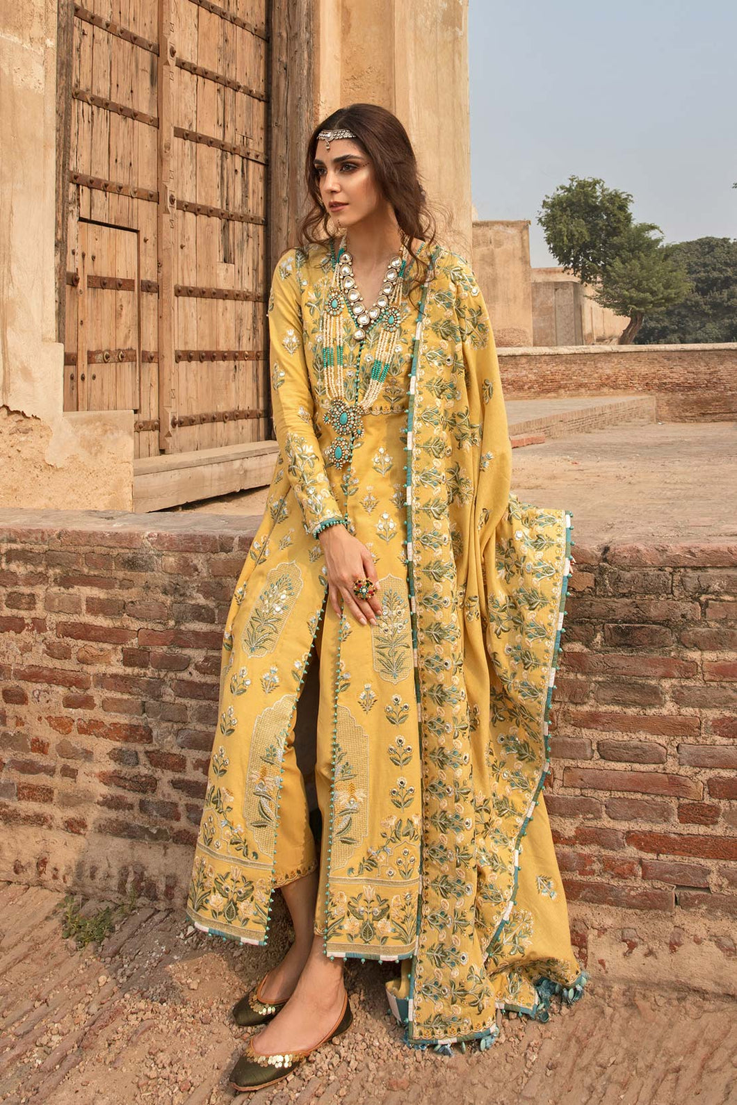 Buy Crimson Winter Collection 2020 x Saira Shakira 4B in the UK and USA -SALE ! Shop Crimson PK Pakistani Designer Clothing in the UK for winter wedding and party. Browse our latest Crimson Luxury Dresses in Small, Medium & Large Sizes for Indian Pakistani Women. Shop Online Readymade Salwar Suits at our Boutique.
