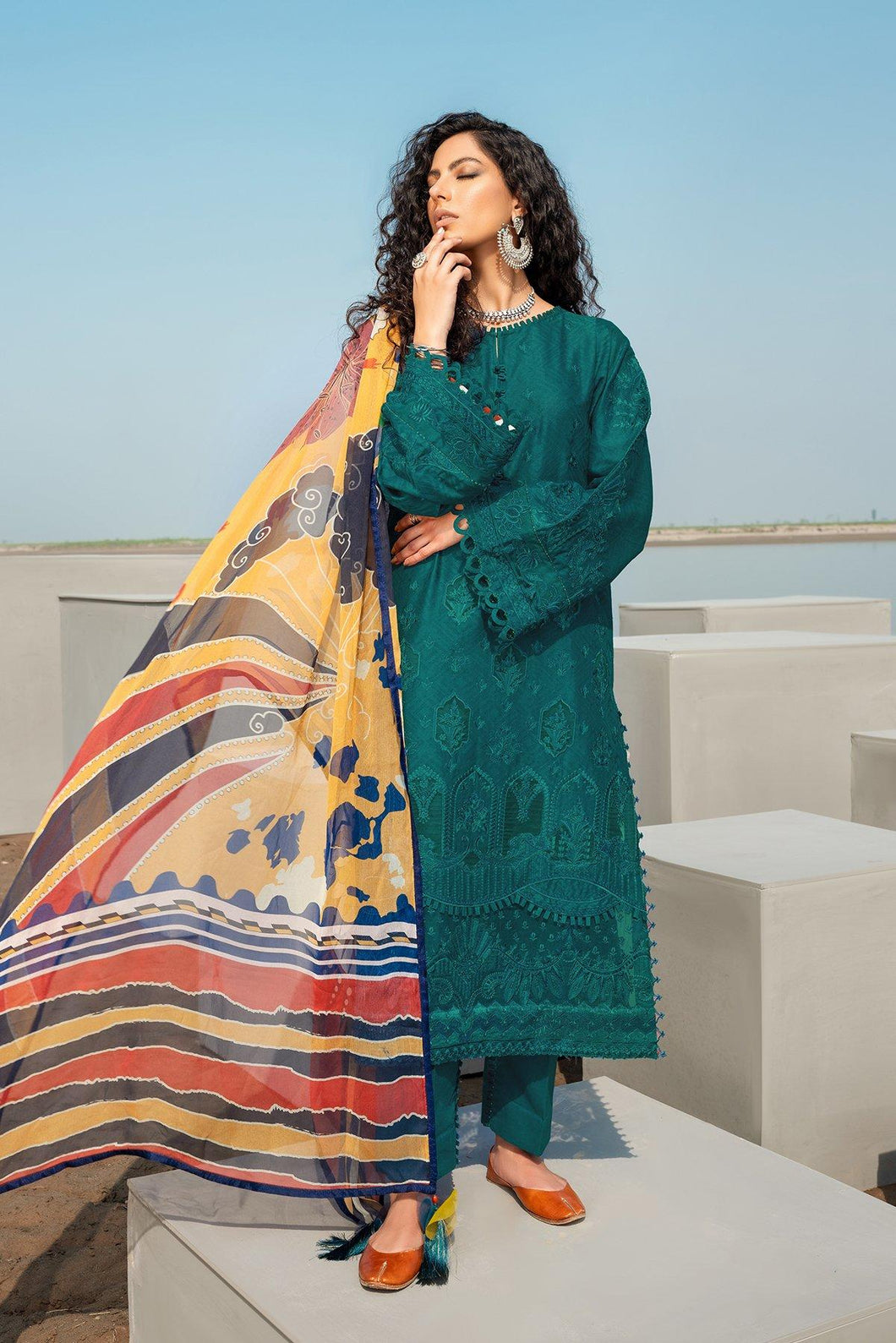 Buy Baroque Embroidered Summer Collection 2021 | Gentian Green Dress at exclusive price. Shop Pakistani designer clothes of BAROQUE LAWN, dress pak for Evening wear available at LEBAASONLINE on SALE prices Get the latest Pakistani dresses unstitched and ready to wear eid dresses in Austria, Spain, Birhamgam & UK!
