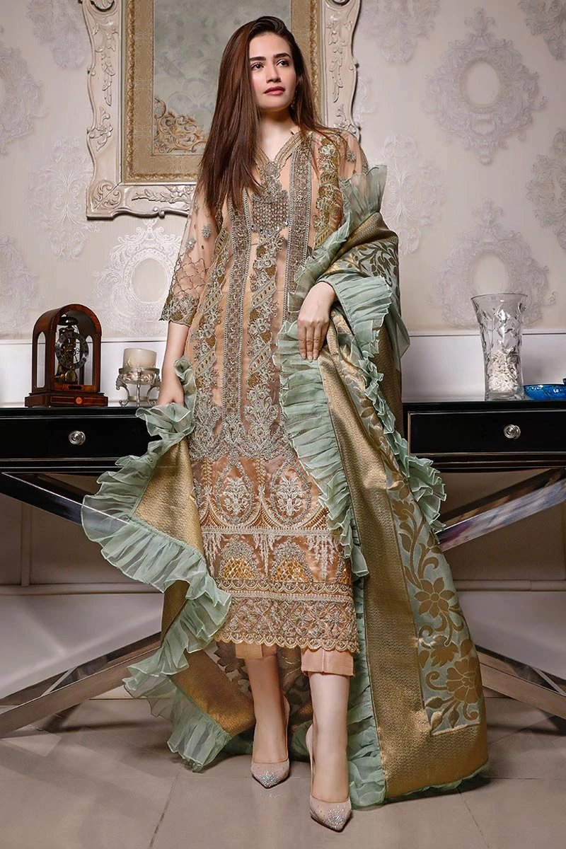 ZAINAB CHOTTANI | JAHAAN 06 design with Swarovski Crystals and Embroidered Chiffon. LebaasOnline has Zainab Chottani Pakistani Party Wear & Pakistani Ready made suits for Online Shopping Worldwide, delivering to the UK, Germany, London, Birmingham and USA selling 100% original Pakistani Designer Wedding & Bridal Suits.