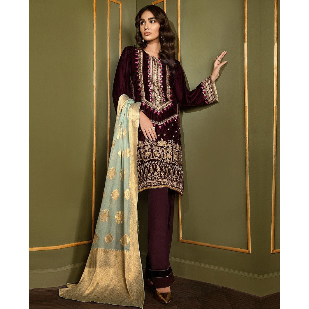 XENIA | VELVET FORMALS | SERENIDAD Buy Designer unstitched, stitched and ready wear Asian Indian Pakistani Salwar Kameez Suit Winter Collection 2020 in UK and USA Online Pakistani Suits available on LebaasOnline pakistanisuits pakistanisuitsonline pakistanisuitsinwholesaleprice pakistanisuitsdesign pakistanisuitsdesignswithpalazzos pakistanisuitsandkurtisonline