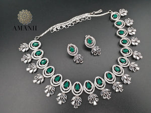 Emerald green & silver necklace set by Amanii - LebaasOnline