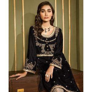 XENIA | VELVET FORMALS | JARDIN Buy Designer unstitched, stitched and ready wear Asian Indian Pakistani Salwar Kameez Suit Winter Collection 2020 in UK and USA Online Pakistani Suits available on LebaasOnline pakistanisuits pakistanisuitsonline pakistanisuitsinwholesaleprice pakistanisuitsdesign pakistanisuitsdesignswithpalazzos pakistanisuitsandkurtisonline