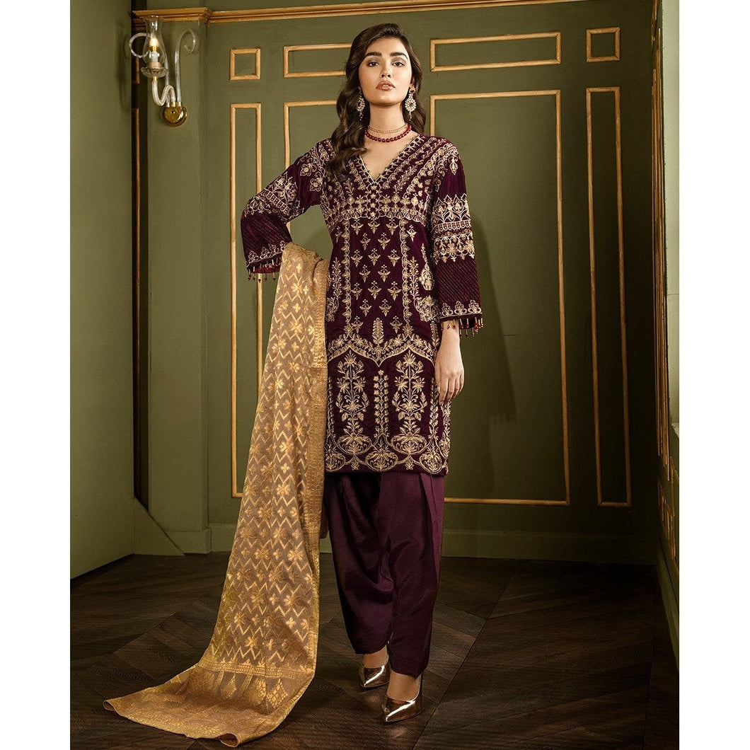 XENIA | VELVET FORMALS | XALIJ Buy Designer unstitched, stitched and ready wear Asian Indian Pakistani Salwar Kameez Suit Winter Collection 2020 in UK and USA Online Pakistani Suits available on LebaasOnline pakistanisuits pakistanisuitsonline pakistanisuitsinwholesaleprice pakistanisuitsdesign pakistanisuitsdesignswithpalazzos pakistanisuitsandkurtisonline