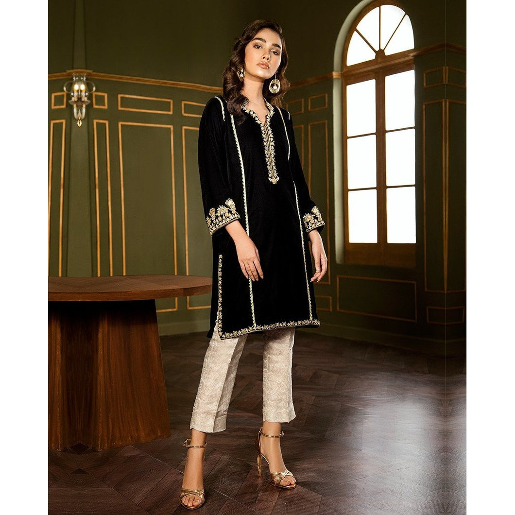 XENIA | VELVET FORMALS | POTPURRI Buy Designer unstitched, stitched and ready wear Asian Indian Pakistani Salwar Kameez Suit Winter Collection 2020 in UK and USA Online Pakistani Suits available on LebaasOnline pakistanisuits pakistanisuitsonline pakistanisuitsinwholesaleprice pakistanisuitsdesign pakistanisuitsdesignswithpalazzos pakistanisuitsandkurtisonline