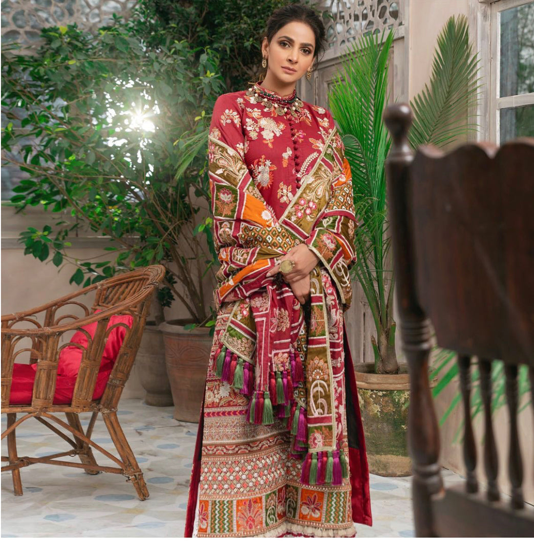 Maryam Hussain Luxury Lawn 2021 Luxury Lawn Collection 2021- MEHFIL another great Pakistani outfits collection for casual wear and winter season in the UK, USA and worldwide. This three-piece Pakistani designer FESTIVE lawn suit beautiful prints with classic embroidery on dupatta &  shirt, designer neck styles highly embroidered colored thread work. Shop Maryam Hussain-SALE.