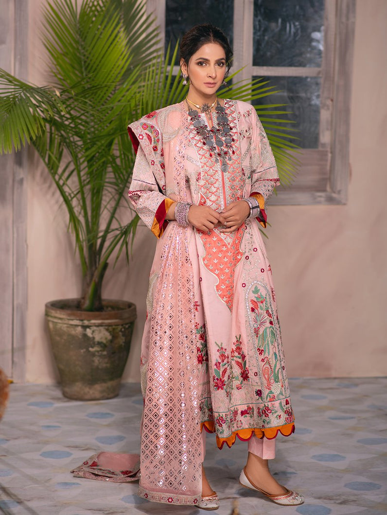 MARYAM HUSSAIN Luxury Lawn '21 Collection -MUSK Peach dress most popular Pakistani outfits for evening wear and winter season in the UK, USA and France. These 3 pc unstitched, stitched & READY MADE Indian & Pakistani Suits are best for Eid outfits. Shop Salwar Kameez by Maryam Hussain on SALE price at Lebaasonline!