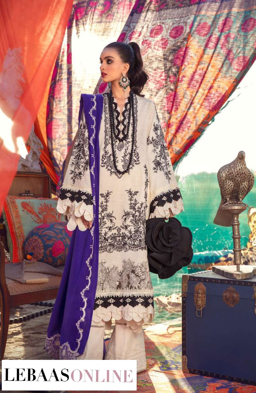 Sana Safinaz Winter Shawl '20 | Code: 4B :  creamfor shirt is comes to life is printed in delicate patterns inspired by Moroccan motifs and geometric designs. The shirt front is embroidered with intricate Moroccan motifs .Buy now SANA SAFINAZ | Muzlin Winter'20 | M203-014B-CPat great price from Lebaasonline.co.uk.