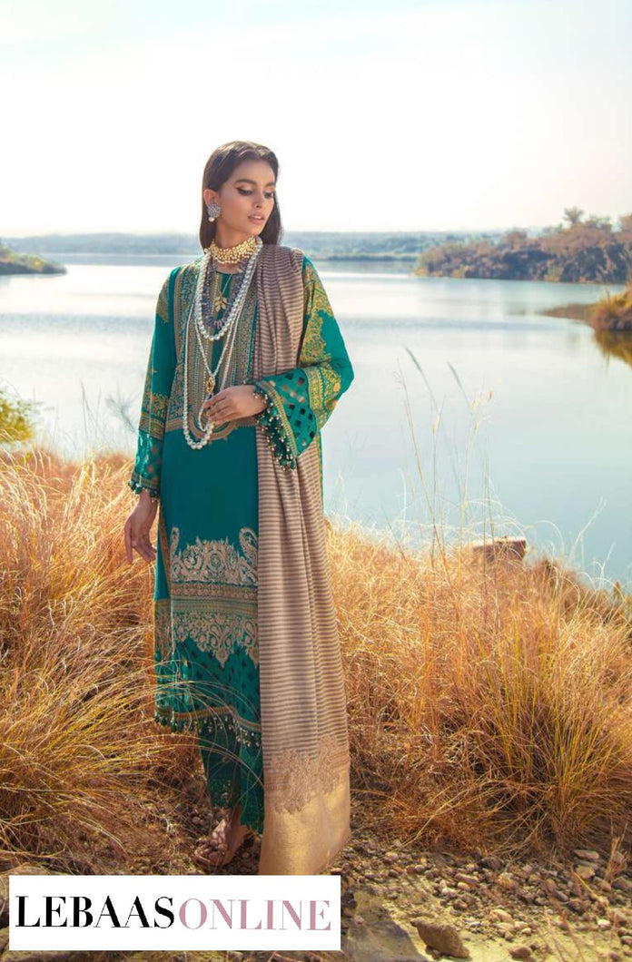 Sana Safinaz Winter Shawl '20 | Code: 6B :  Emerald green for shirt is comes to life is printed in delicate patterns inspired by Moroccan motifs and geometric designs. The shirt front is embroidered with intricate Moroccan motifs .Buy now SANA SAFINAZ | Muzlin Winter'20 | M203-014B-CPat great price from Lebaasonline.co.uk.