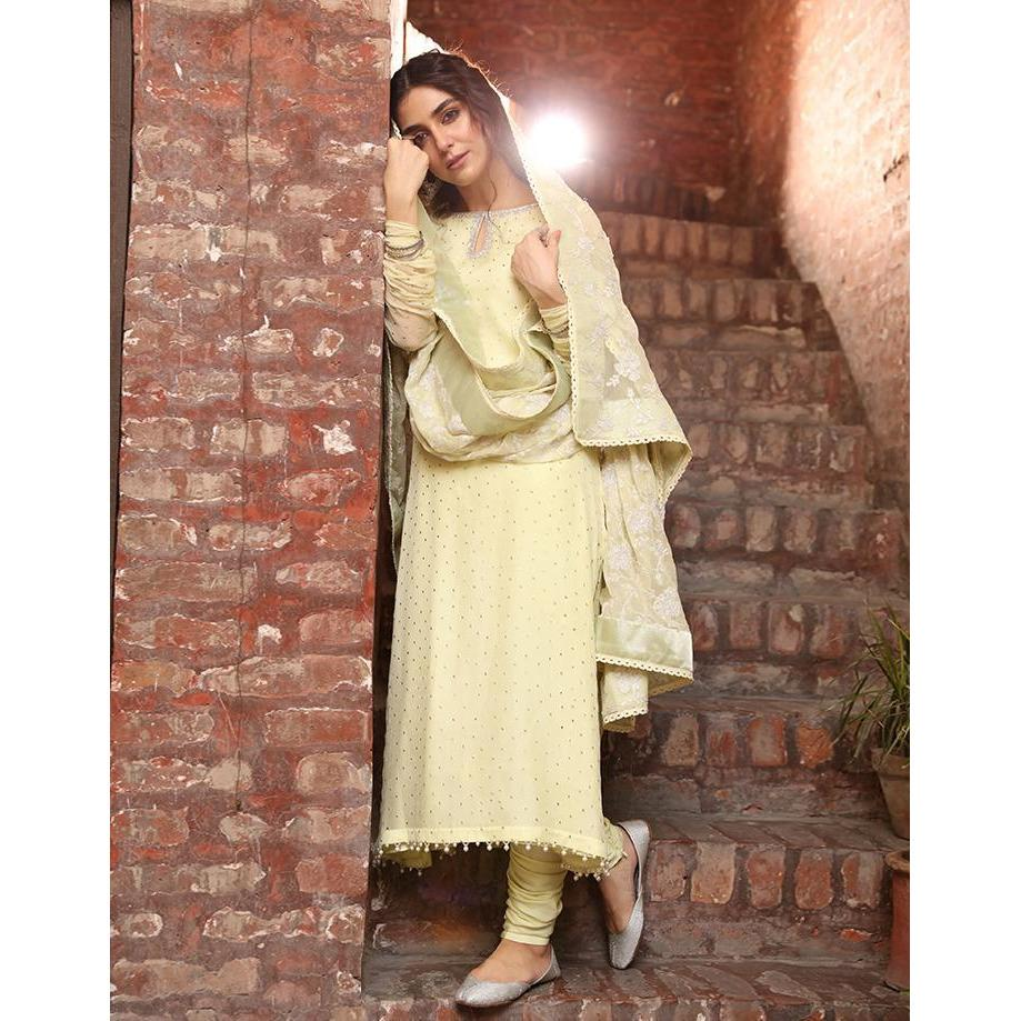 Buy FAIZA SAQLAIN | MAYA ALI White at Lebaasonline Pakistani Clothes Stockist in the UK @ best price- SALE ! Shop Noor LAWN 2021, Maria B Lawn 2021 Summer Suits, Pakistani Clothes Online UK for Wedding, Party & Bridal Wear. Indian & Pakistani Summer Dresses by FAIZA SAQLAIN 2021 in the UK & USA at LebaasOnline