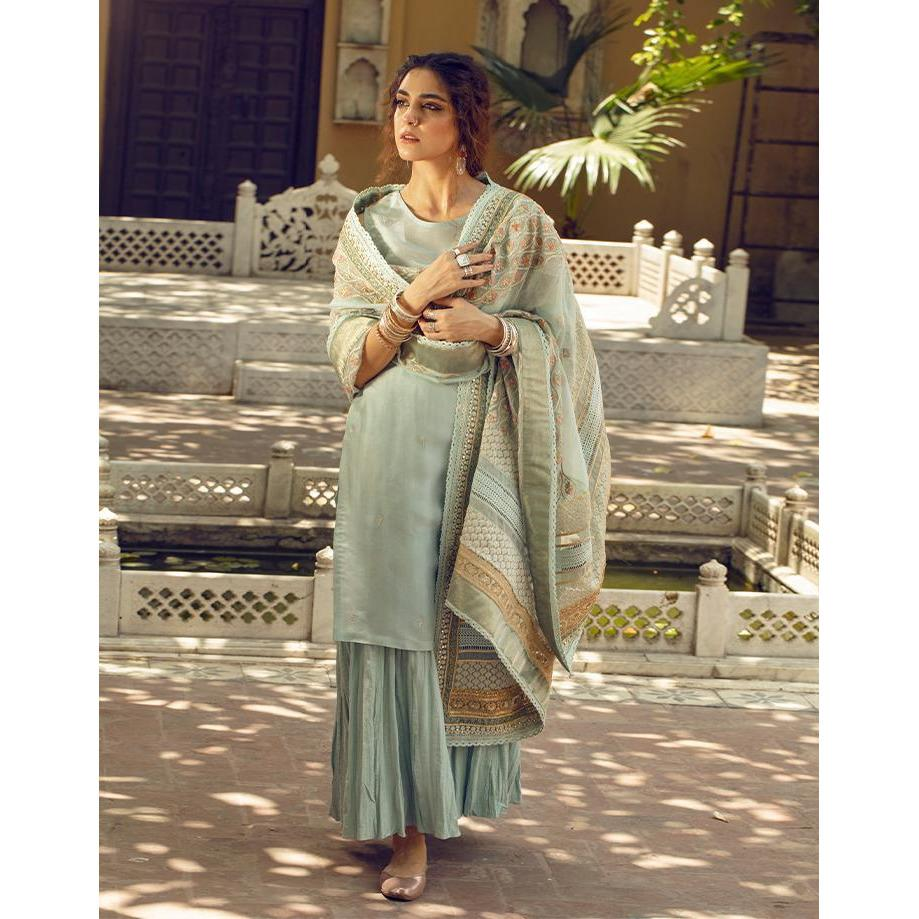 Buy FAIZA SAQLAIN | MAYA ALI Green at Lebaasonline Pakistani Clothes Stockist in the UK @ best price- SALE ! Shop Noor LAWN 2021, Maria B Lawn 2021 Summer Suits, Pakistani Clothes Online UK for Wedding, Party & Bridal Wear. Indian & Pakistani Summer Dresses by FAIZA SAQLAIN 2021 in the UK & USA at LebaasOnline