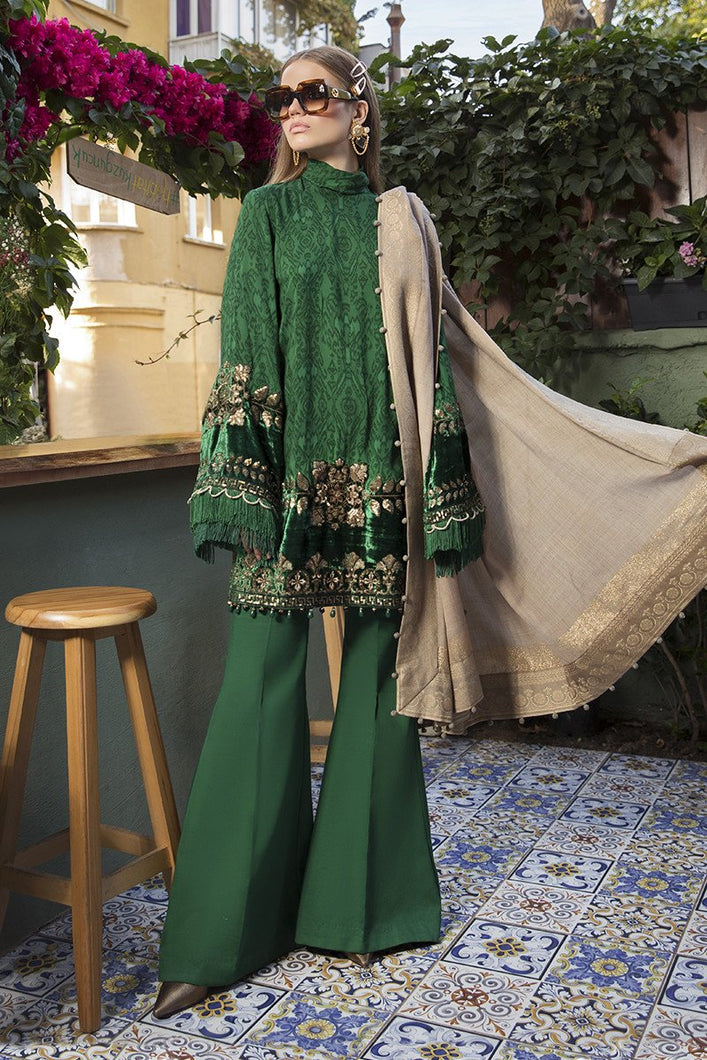 MARIA B | Linen Winter Collection DL-804-Emerald Green. Buy Maria B Pakistani Dresses Online at Lebaasonline & Look good with our latest collection of Indian & Pakistani designer winter wedding clothes, Lawn, Linen, embroidered sateen & new fashion Asian wear in the UK. Shop PAKISTANI DESIGNER WEAR UK ONLINE 2020 SUITS.