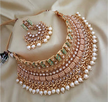 Load image into Gallery viewer, AMANII Exclusively designed Asian Bridal Jewellery chocker sets - LebaasOnline