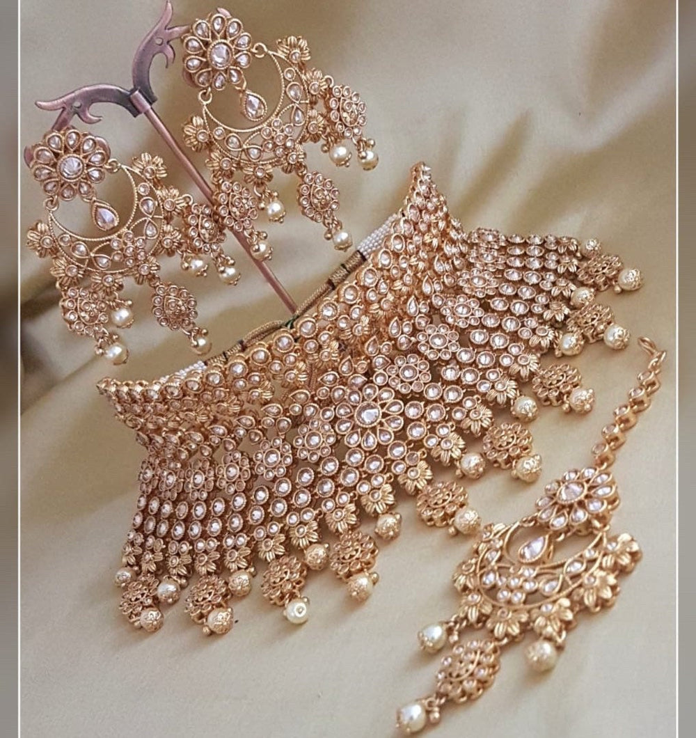 Bridal Gold and Pearls Jewellery Set - LebaasOnline