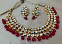 Load image into Gallery viewer, Dazzling  Polaki Kundan Necklace - LebaasOnline