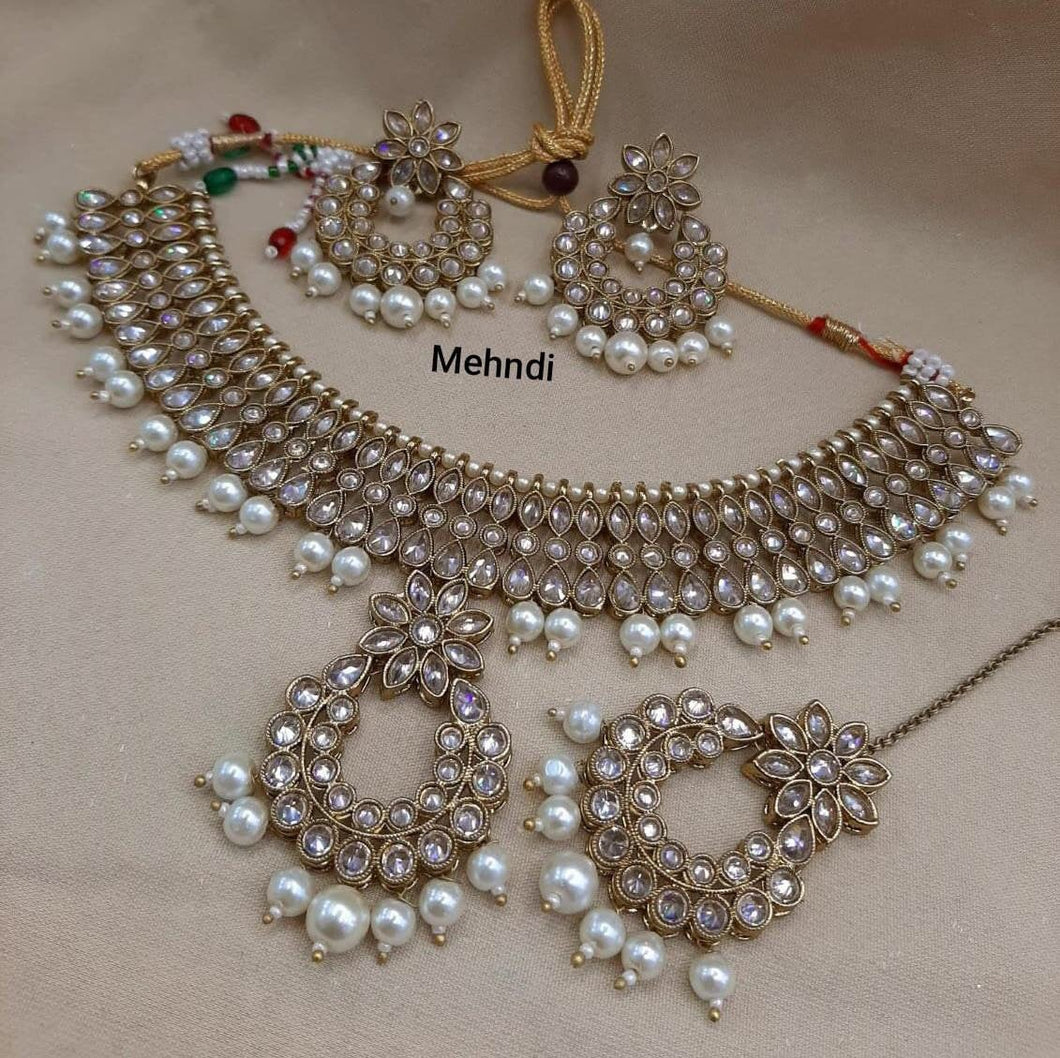 AMANII Regal Indian wedding jewellery - LebaasOnline