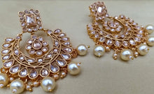 Load image into Gallery viewer, Regal Gold Jewellery Set by Amanii - LebaasOnline