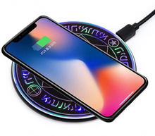 Load image into Gallery viewer, Minismile 10W Mini Magic Optical Array Qi Wireless Fast Charging Pad Charger