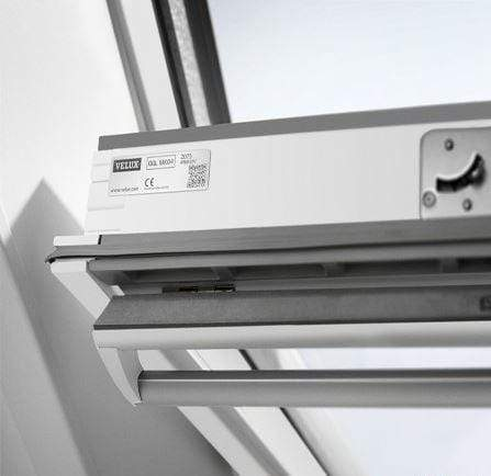 Image of VELUX GGL 2070 White Painted Laminated Centre Pivot Roof Window - All Sizes Roof Windows