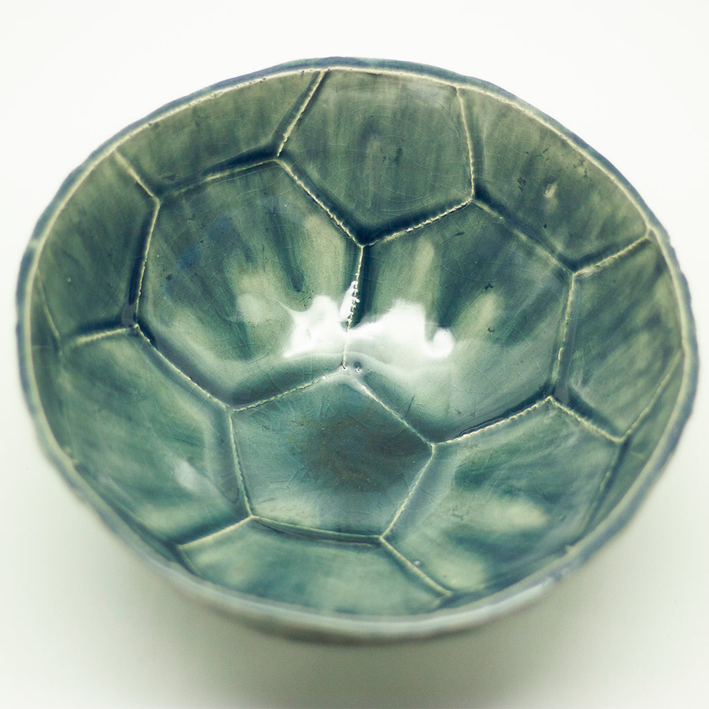 Dast football cup bowl glossy green and transparent | Dast voetbal beker kom glanzend groen en transparant - een stip