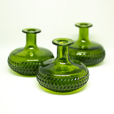 yesterday small green vase - een stip