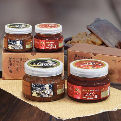 Traditional Korean Soybean Paste & Garlic Onion Red Pepper Paste Set