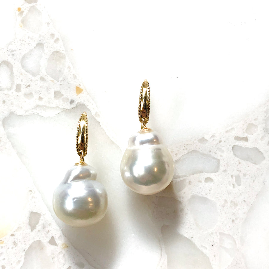 18K - Mill hook pierce - South sea pearl
