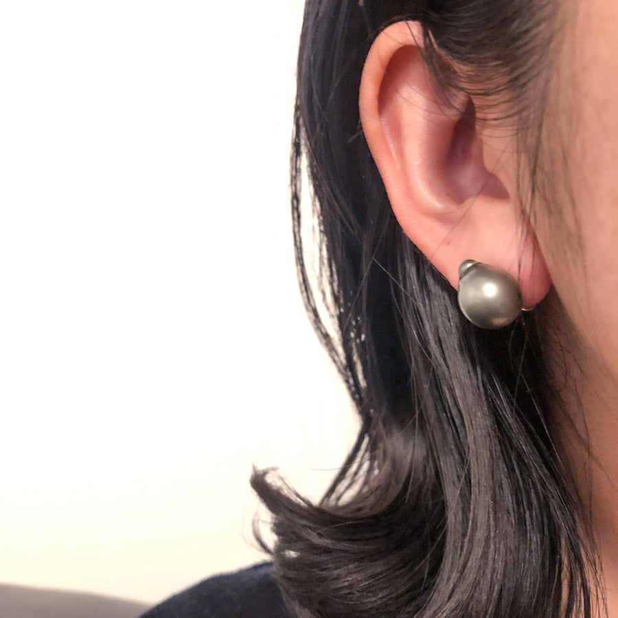 Silver - Soft touch ear crips - Gray