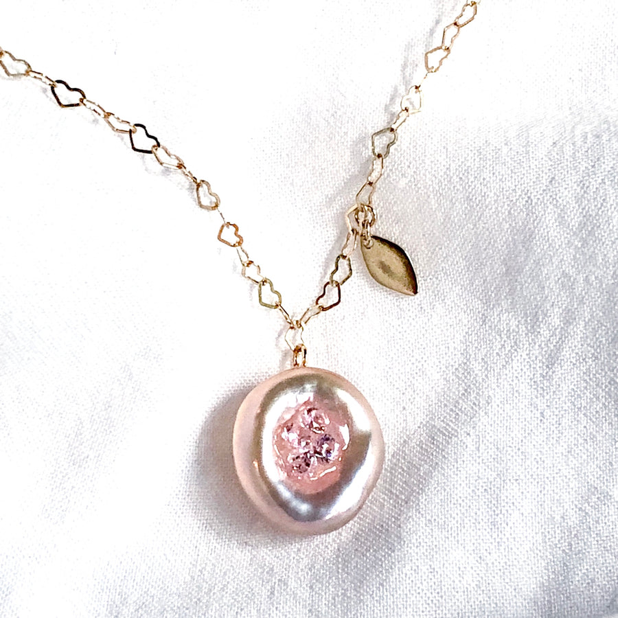 18K - Heart chain camellia Necklace - Pink