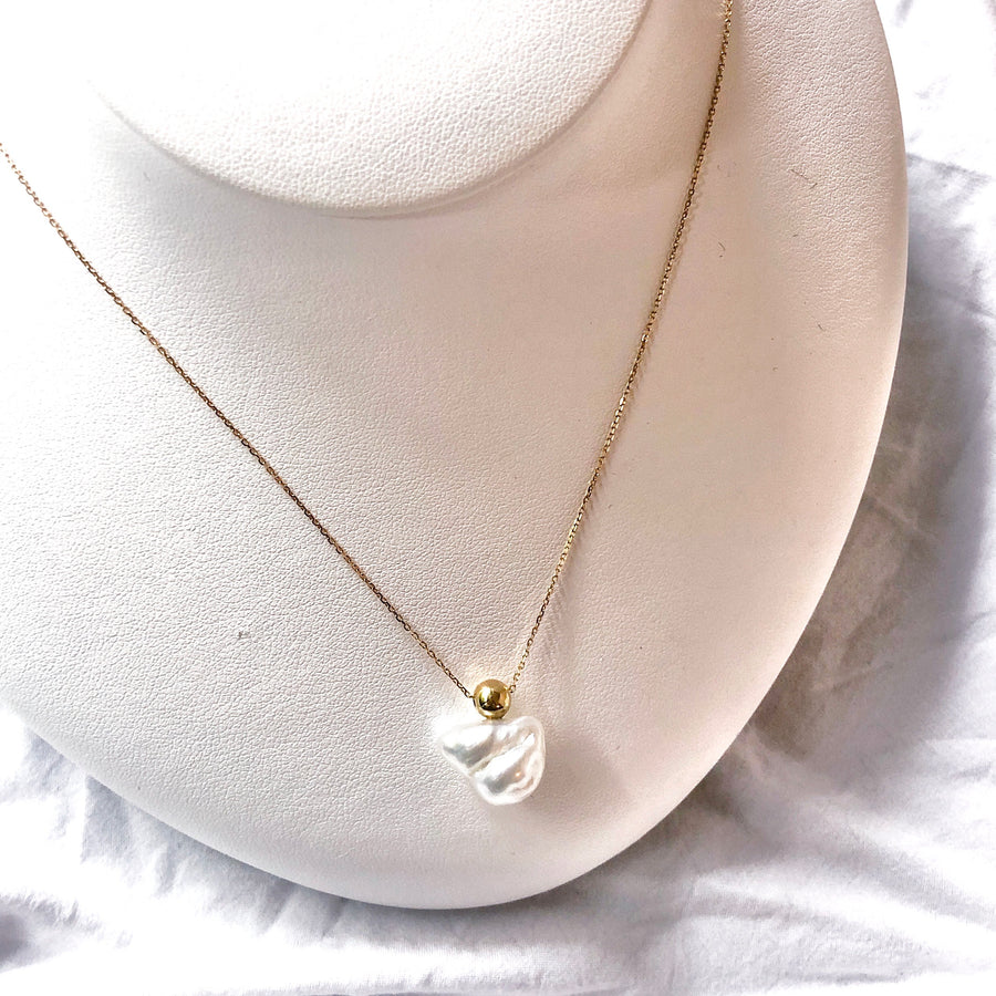 18K - Ball necklace - White baroque