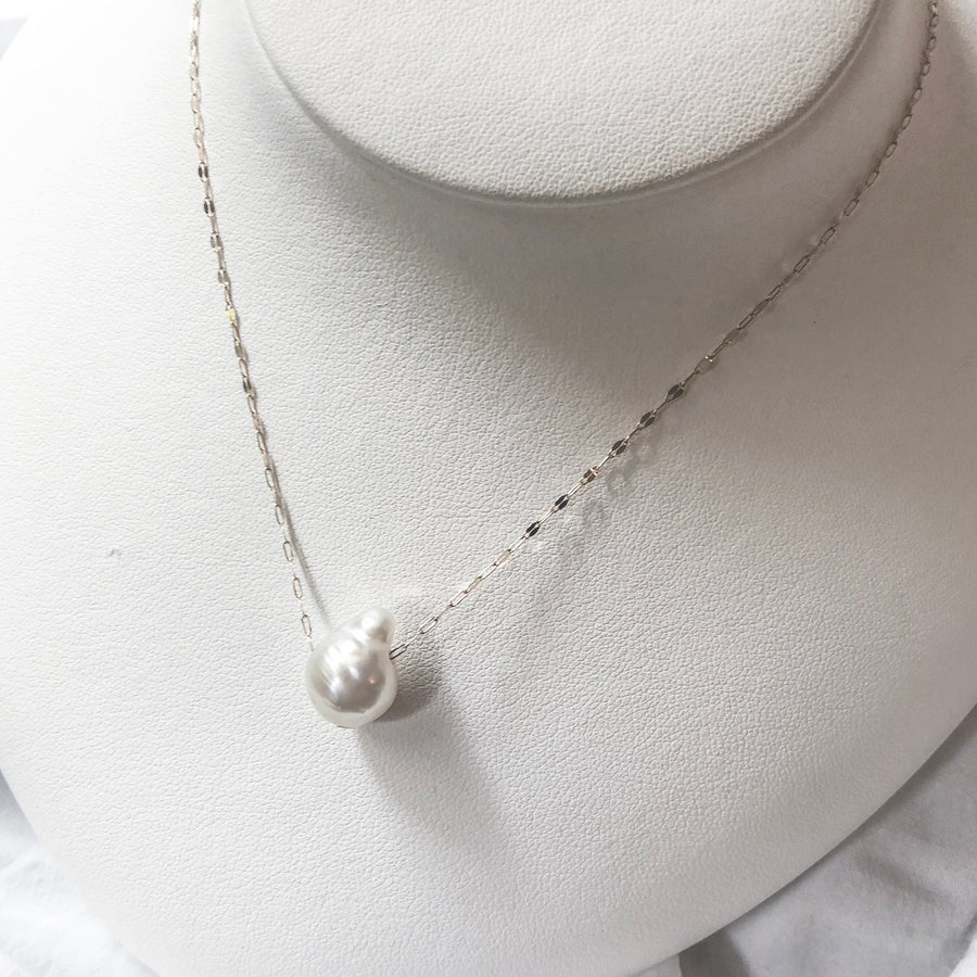 10K - Through necklace - White baroque