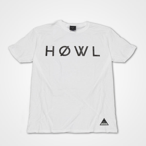 HOWL classic tee white worn by Sam Thompson