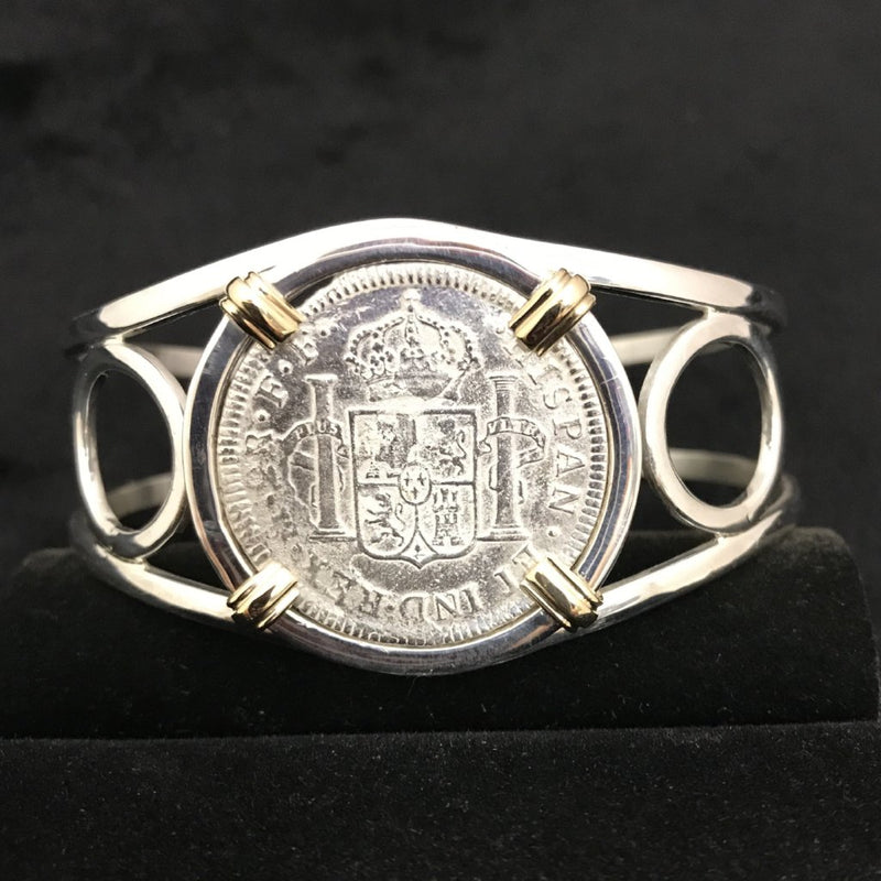 El Cazador, 2 Reale, Grade Fine mounted in 14K Gold and Silver