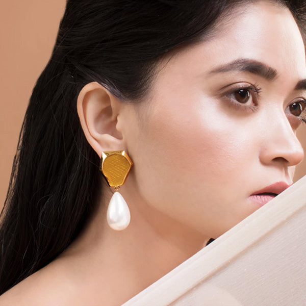 Yellow Gold Leah Pearl Drop Earring