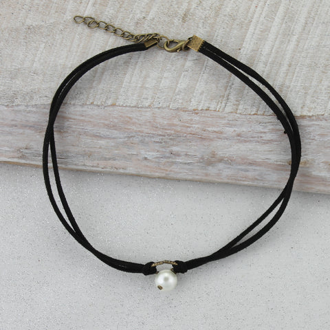 Black Suede Choker with Pearl