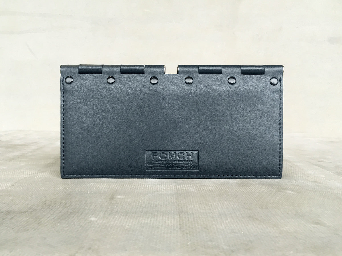 HINGE travel wallet