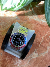 Load image into Gallery viewer, 1999 Rolex GMT Master 16700