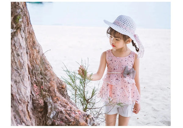 Ruffle Top with White Shorts and Hat : 2-7 years