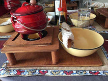 Load image into Gallery viewer, Black/Red Pot Fondue Set