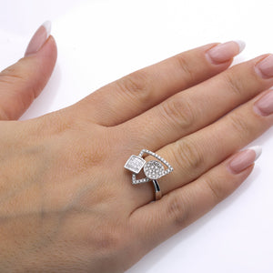 Ladies 18k White Gold With 1.16 CT Right Hand Ring