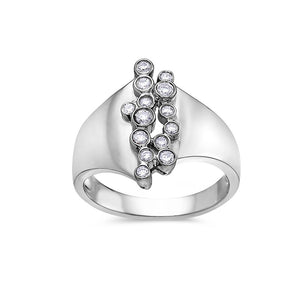 Ladies 18k White Gold With 0.24 CT Right Hand Ring