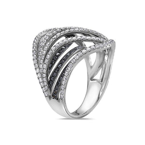 Ladies 18k White Gold With 2.20 CT Righ Hand Ring