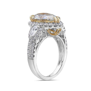 Ladies 18k White Gold With 4.77 CT Right Hand Ring