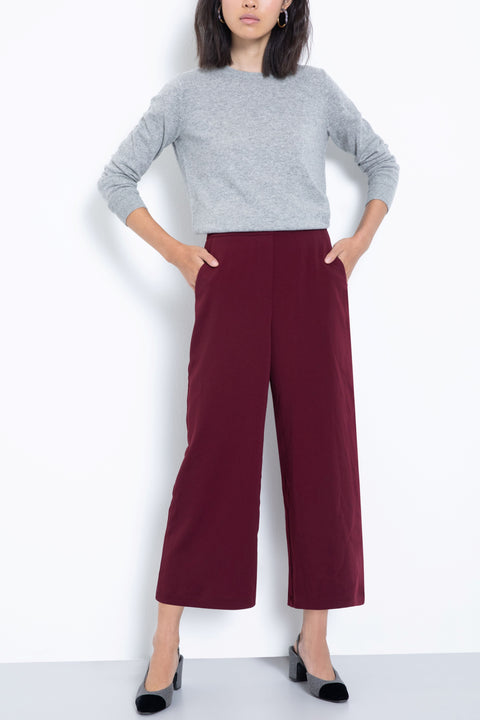Comfortable pull-on stretch culotte pants - front view 2