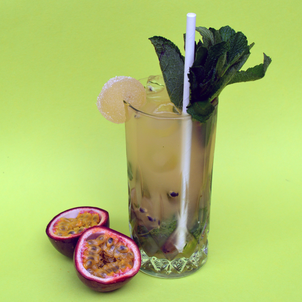 YOUR 5 MINUTE PASSIONFRUIT MOJITO COCKTAIL RECIPE