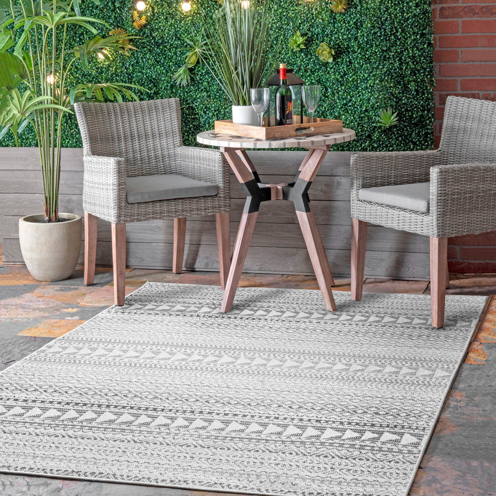 Hana Striped Geometric Outdoor