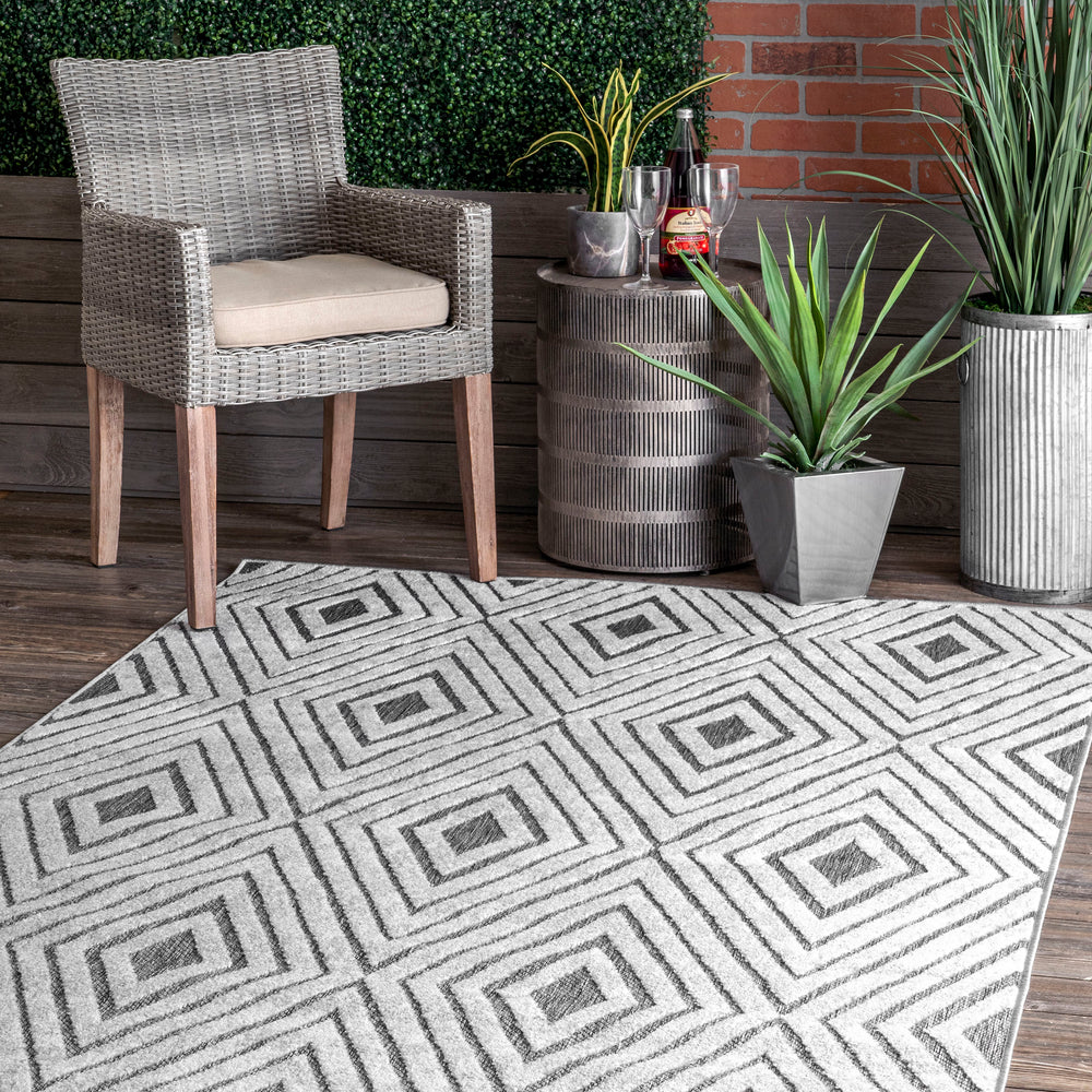 Lara Raised Diamond Tiles Indoor/Outdoor