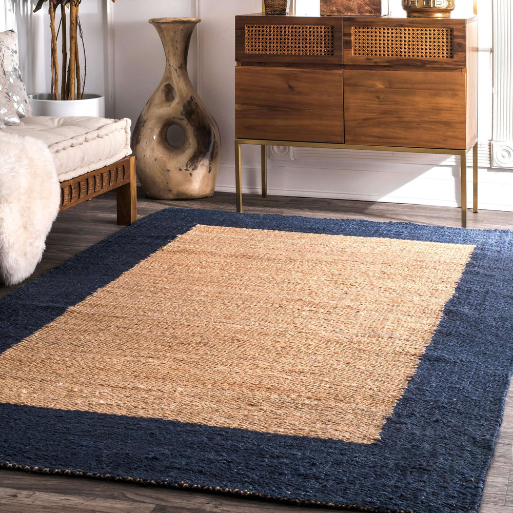 Hand Loomed Jute Wide Border Laird Rug