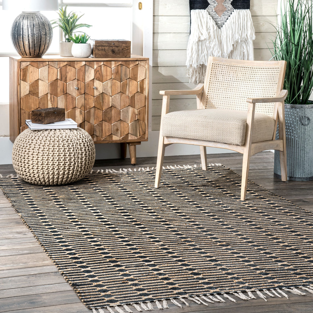Lavena Printed Winged Trellis