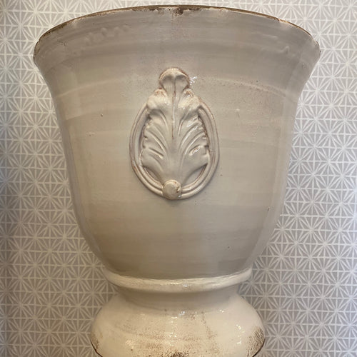 Vietri Rustic Garden White Large Footed Planter W/Emblem