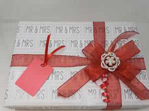 Mr and Mrs Wrap and Red Stripe Ribbon and Bow Pack
